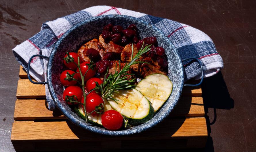 Meggyszószos sertésszűz grillzöldséggel